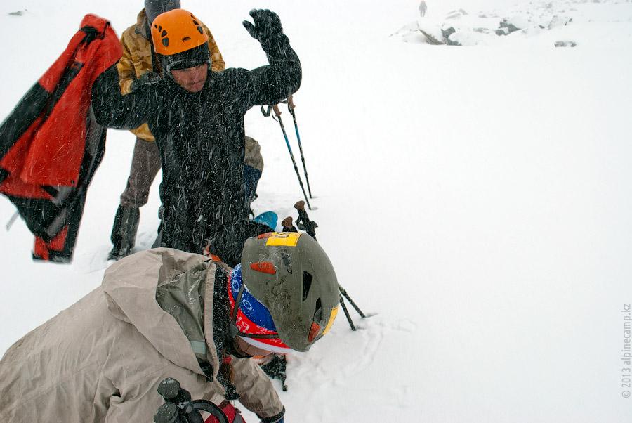На леднике Орджоникидзе Западный