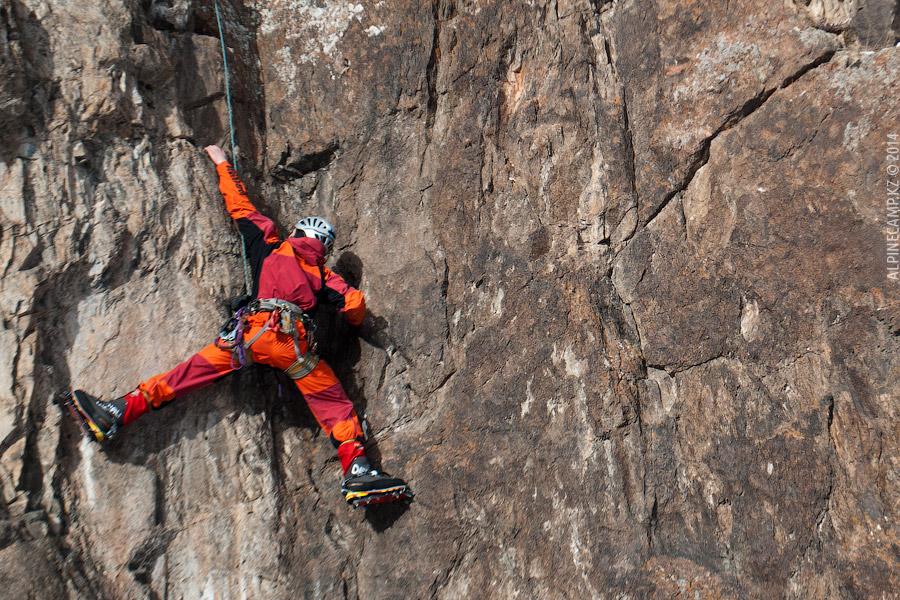 Скальные занятия в Альплагере