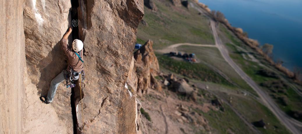 Альплагерь Туюк-Су на скалах