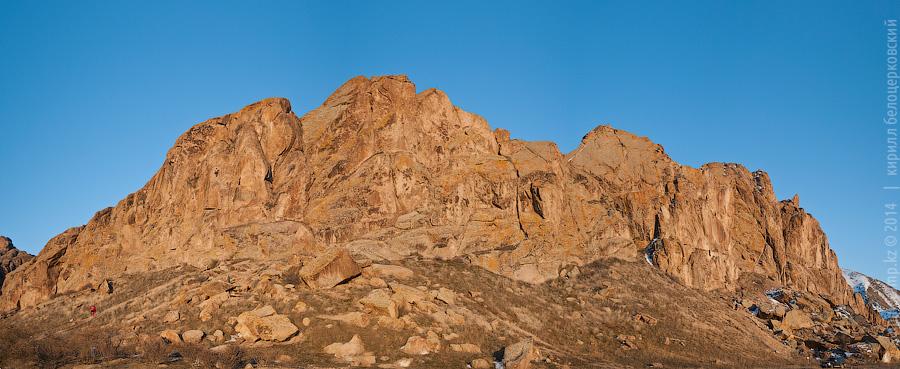 Панорама скал на Или