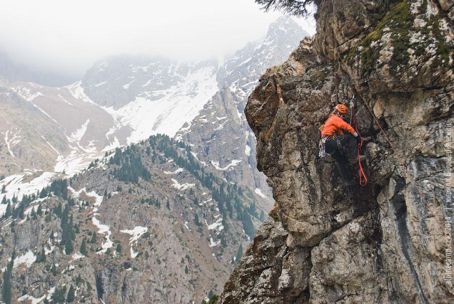Ольга Конорева на скальных занятиях