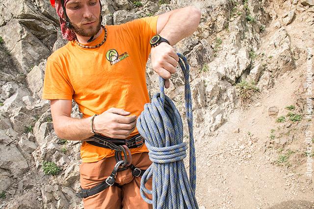 Как собрать верёвку для переноски на спине